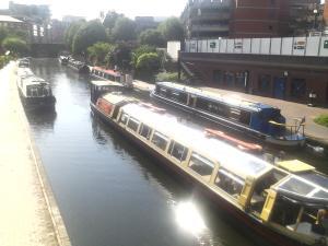 Les péniches du canal