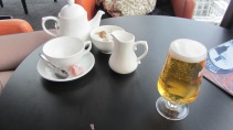 """un thé en haut du """"cube"""""""